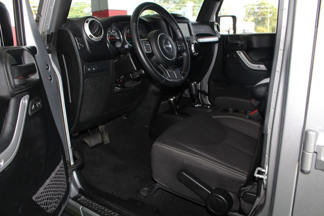 2016 Jeep Wrangler Unlimited Rubicon 4x4 - LIFTED - EXTRA$ - NAV - HEATED SEATS Mooresville , NC 31