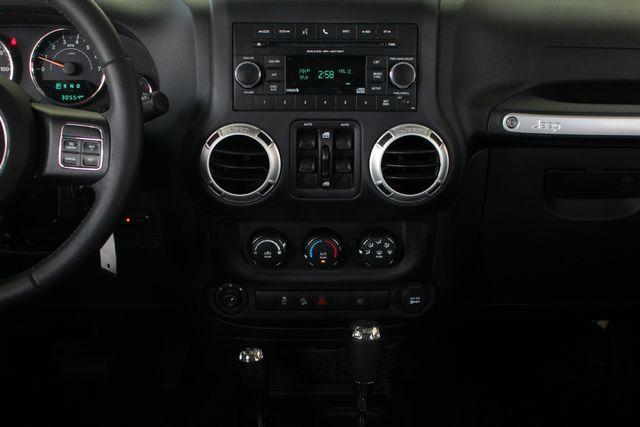 2016 Jeep Wrangler Unlimited Rubicon 4X4 - CUSTOM BUMPER/KC OFF ROAD LIGHTS! Mooresville , NC 8