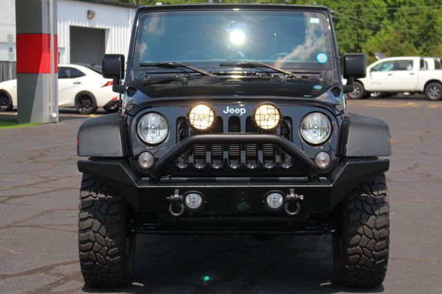 2016 Jeep Wrangler Unlimited Rubicon 4X4 - CUSTOM BUMPER/KC OFF ROAD LIGHTS! Mooresville , NC 16