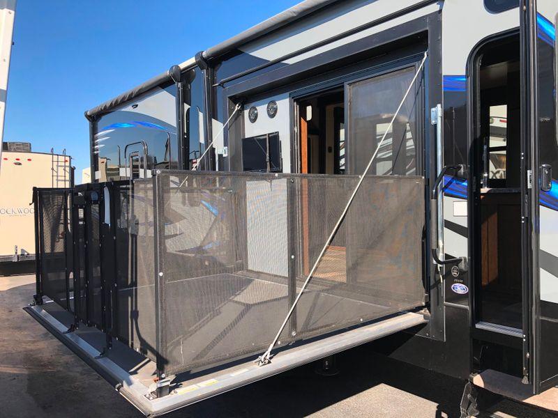 2016 Keystone Fuzion Chrome FZ420  in Avondale, AZ