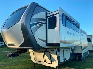 2016 Keystone MONTANA 3711 FL in Katy, TX 77494