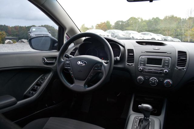 2016 Kia Forte 5-Door LX Naugatuck, Connecticut 16