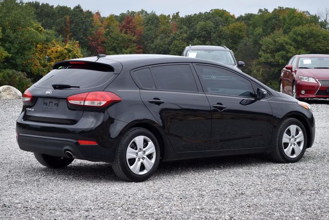 2016 Kia Forte 5-Door LX Naugatuck, Connecticut 4