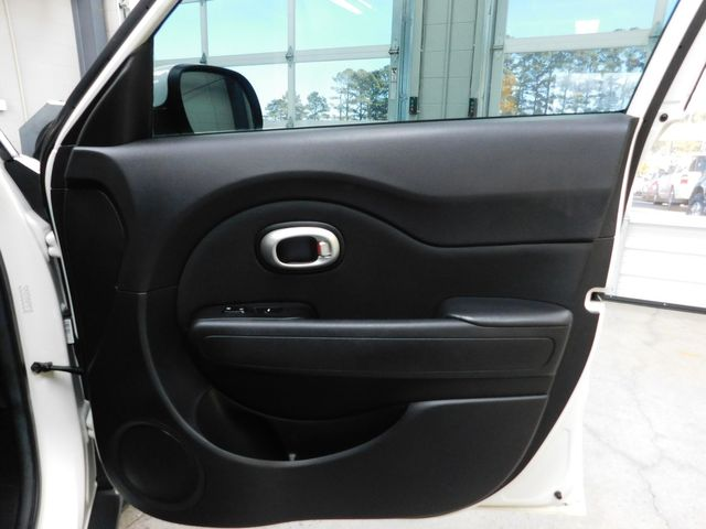 2016 Kia Soul Base in Airport Motor Mile ( Metro Knoxville ), TN 37777