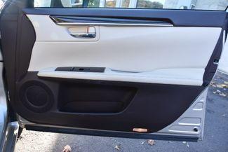 2016 Lexus ES 350 4dr Sdn Waterbury, Connecticut 26