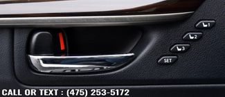 2016 Lexus ES 350 4dr Sdn Waterbury, Connecticut 27