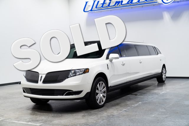 2016 Lincoln MKT Limousine