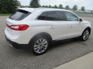 2016 Lincoln MKX Reserve Farmington, MN 1