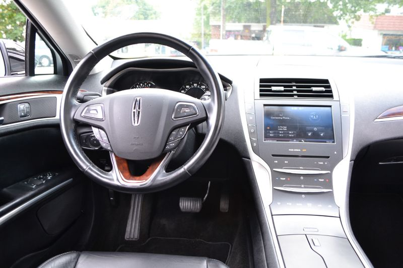 2016 Lincoln MKZ   city New  Father  Son Auto Corp   in Lynbrook, New