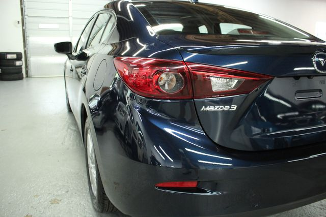 2016 Mazda 3i  Touring Kensington, Maryland 9
