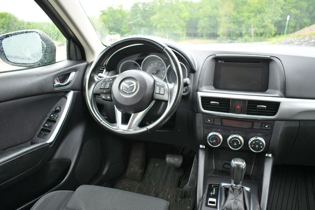 2016 Mazda CX-5 Touring AWD Naugatuck, Connecticut 18