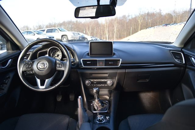 2016 Mazda Mazda3 i Touring Naugatuck, Connecticut 12
