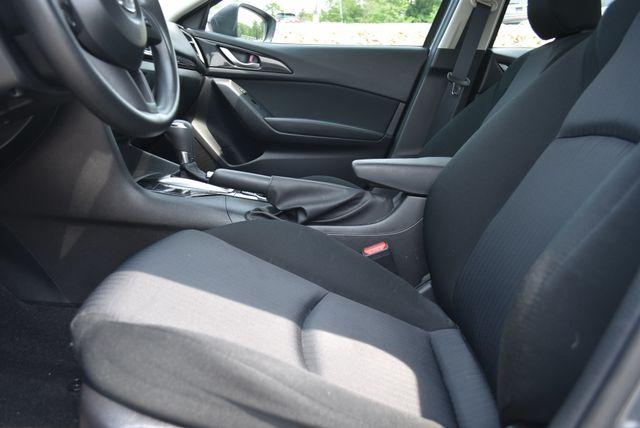 2016 Mazda Mazda3 i Sport Naugatuck, Connecticut 18