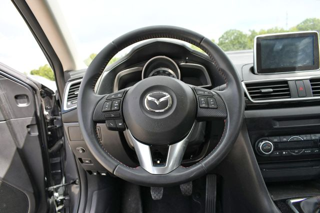 2016 Mazda Mazda3 i Touring Naugatuck, Connecticut 13