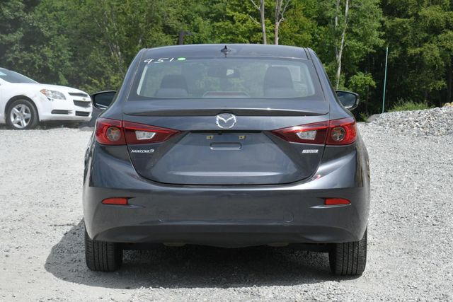 2016 Mazda Mazda3 i Touring Naugatuck, Connecticut 3