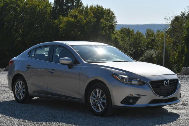 2016 Mazda Mazda3 i Touring Naugatuck, Connecticut