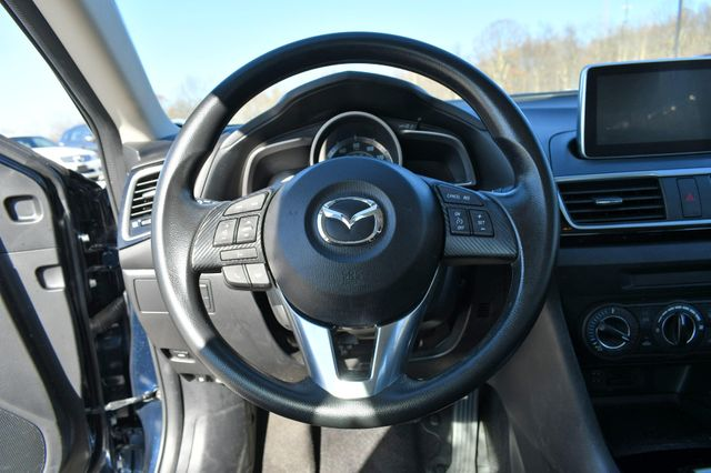 2016 Mazda Mazda3 i Sport Naugatuck, Connecticut 16