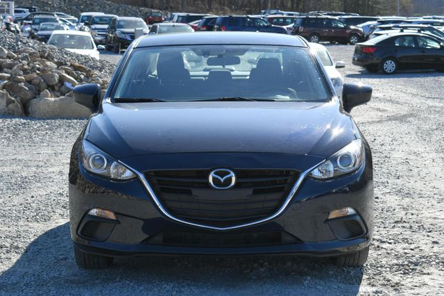 2016 Mazda Mazda3 i Sport Naugatuck, Connecticut 7