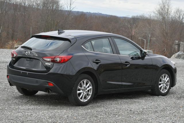 2016 Mazda Mazda3 i Grand Touring Naugatuck, Connecticut 4