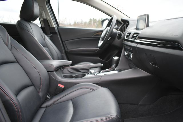 2016 Mazda Mazda3 i Grand Touring Naugatuck, Connecticut 9