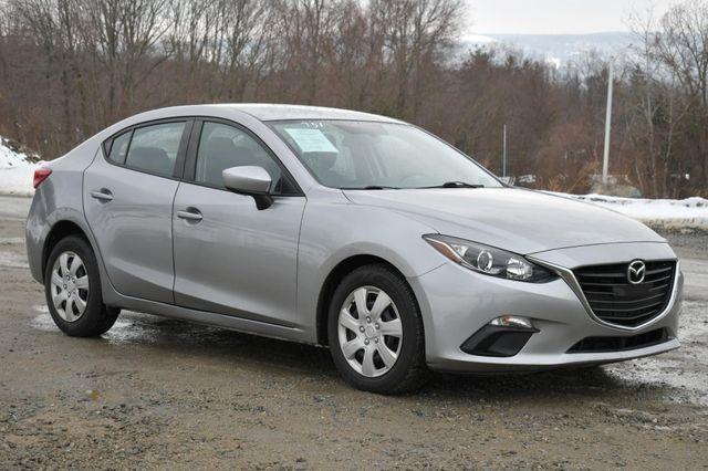 2016 Mazda Mazda3 i Sport Naugatuck, Connecticut 8