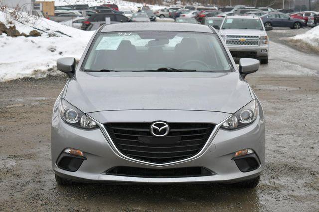 2016 Mazda Mazda3 i Sport Naugatuck, Connecticut 9