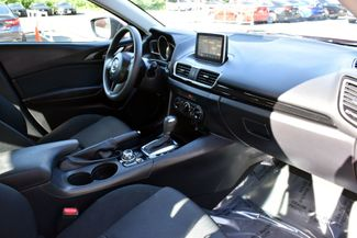2016 Mazda Mazda3 i Sport Waterbury, Connecticut 15