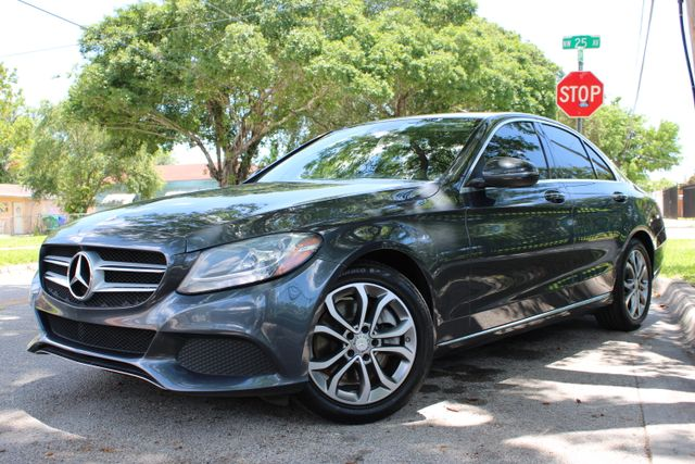 2016 Mercedes-Benz C 300 Luxury