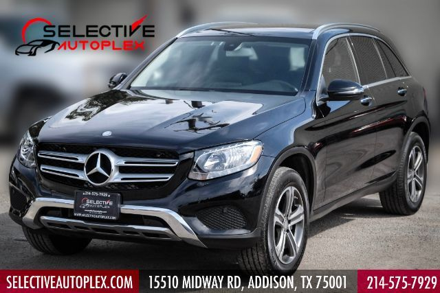 2016 Mercedes-Benz GLC 300 4MATIC Panoramic roof in Addison, TX 75001
