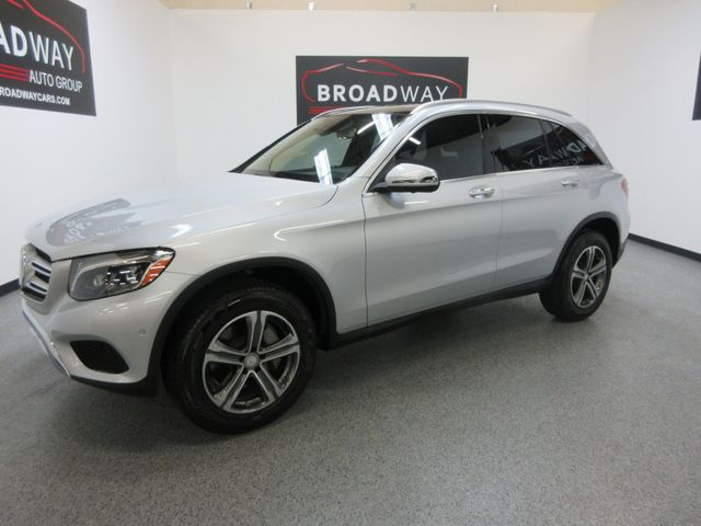 2016 Mercedes-Benz GLC 300 PANO, NAV, LOW MILES