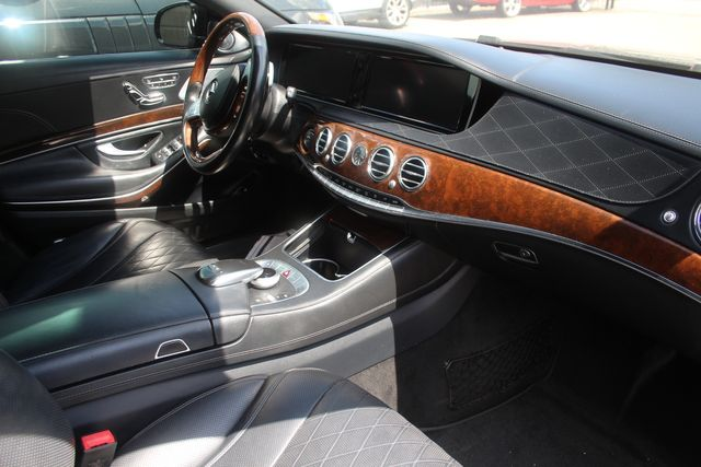 2016 Mercedes-Benz Maybach S 600 in Houston, Texas 77057