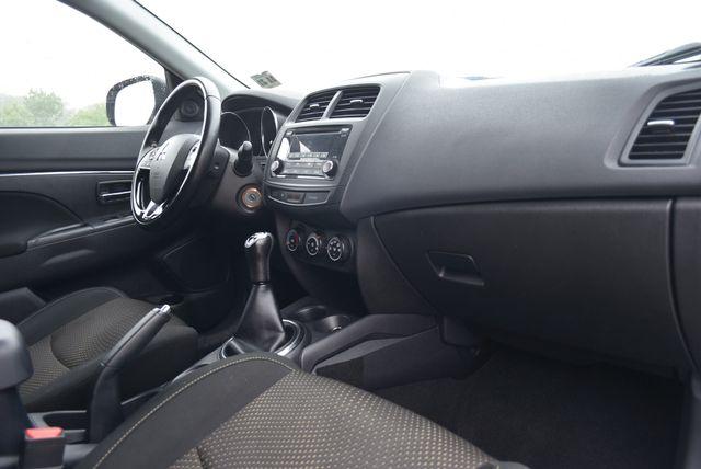 2016 Mitsubishi Outlander Sport 2.0 ES Naugatuck, Connecticut 9