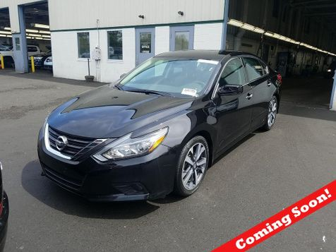 2016 Nissan Altima 2.5 SR in Akron, OH