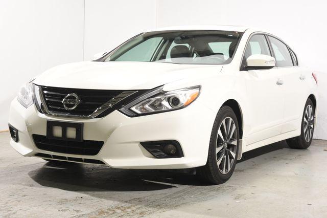 2016 Nissan Altima 2.5 SL w/ Nav & Blind Spot