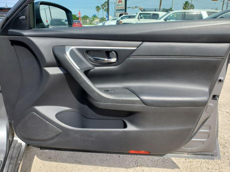 2016 Nissan Altima 35 SL  Brownsville TX  English Motors  in Brownsville, TX