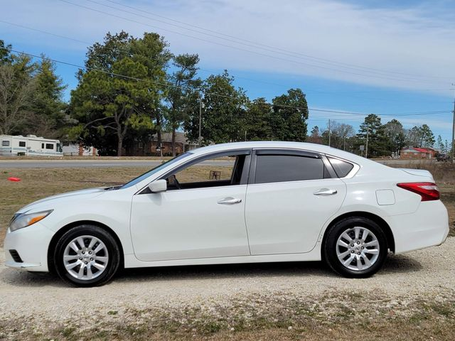 2016 Nissan Altima 2.5 in Hope Mills, NC 28348