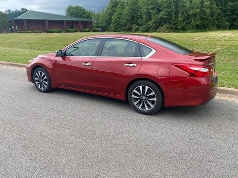 2016 Nissan Altima 2.5 SL | Huntsville, Alabama | Landers Mclarty DCJ & Subaru in Huntsville, Alabama