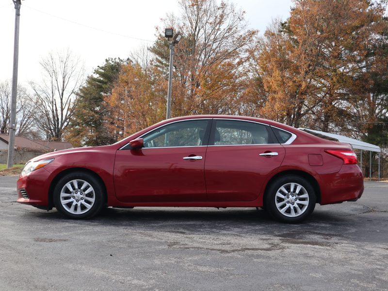 2016 Nissan Altima 25 S  in Maryville, TN