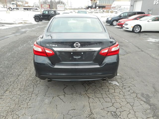 2016 Nissan Altima 2.5 S New Windsor, New York 4