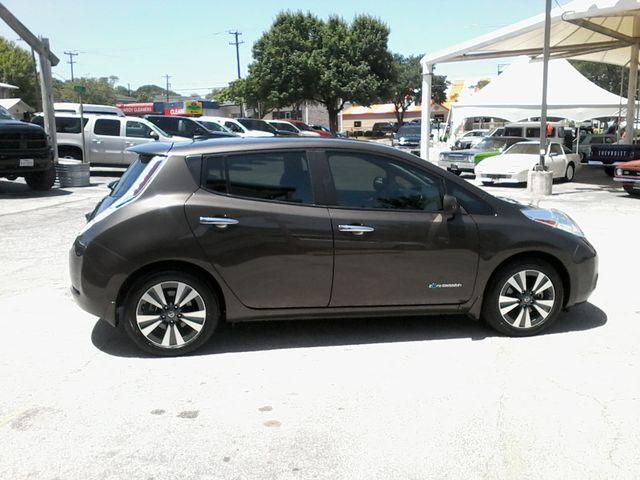 2016 Nissan LEAF SV San Antonio, Texas 4
