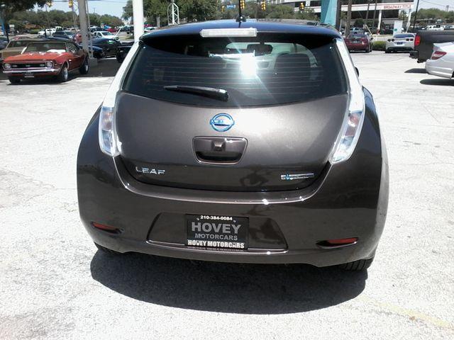 2016 Nissan LEAF SV San Antonio, Texas 6