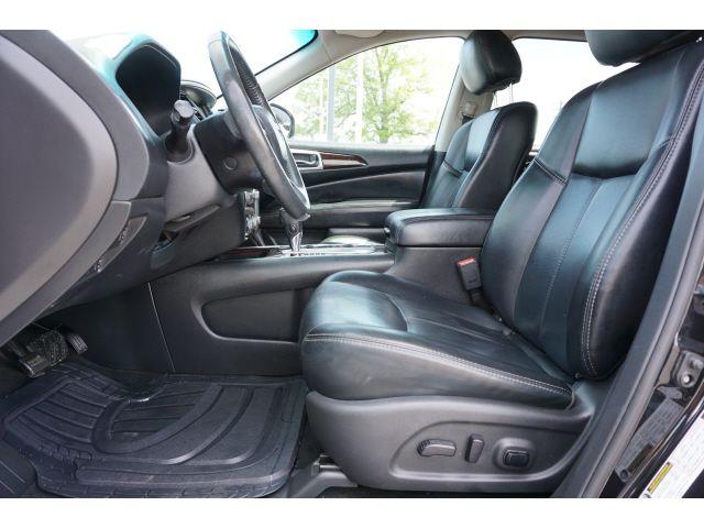2016 Nissan Pathfinder SL in Memphis, Tennessee 38115