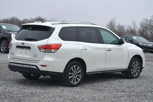 2016 Nissan Pathfinder SV Naugatuck, Connecticut 4
