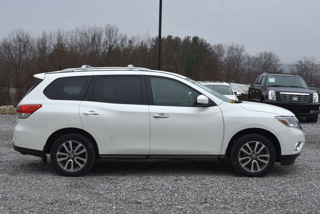 2016 Nissan Pathfinder SV Naugatuck, Connecticut 5