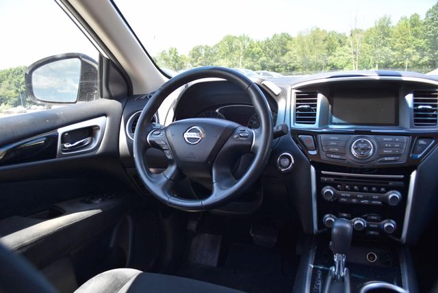 2016 Nissan Pathfinder SV Naugatuck, Connecticut 12