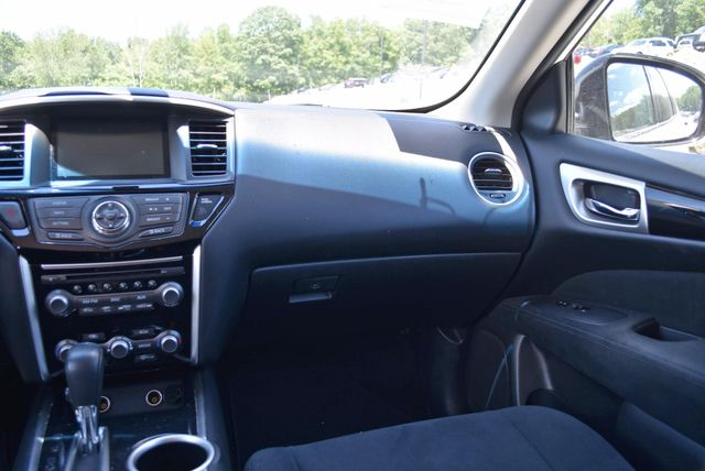 2016 Nissan Pathfinder SV Naugatuck, Connecticut 14