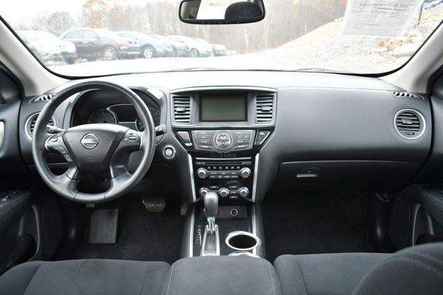 2016 Nissan Pathfinder SV Naugatuck, Connecticut 18