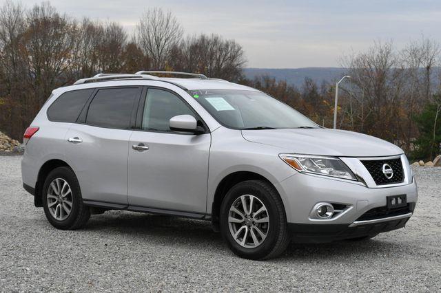 2016 Nissan Pathfinder SV Naugatuck, Connecticut 6