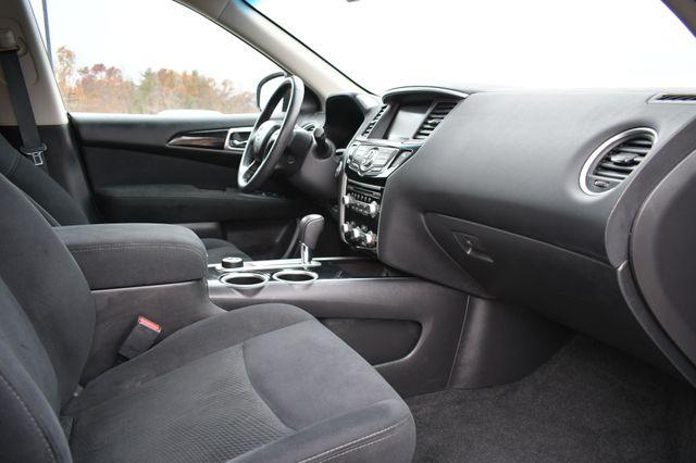 2016 Nissan Pathfinder SV Naugatuck, Connecticut 8