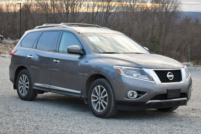 2016 Nissan Pathfinder SL Naugatuck, Connecticut 6
